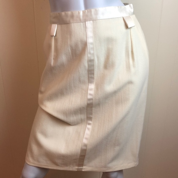 Vintage Dresses & Skirts - Vintage 70s/80s Ivory Pencil Skirt